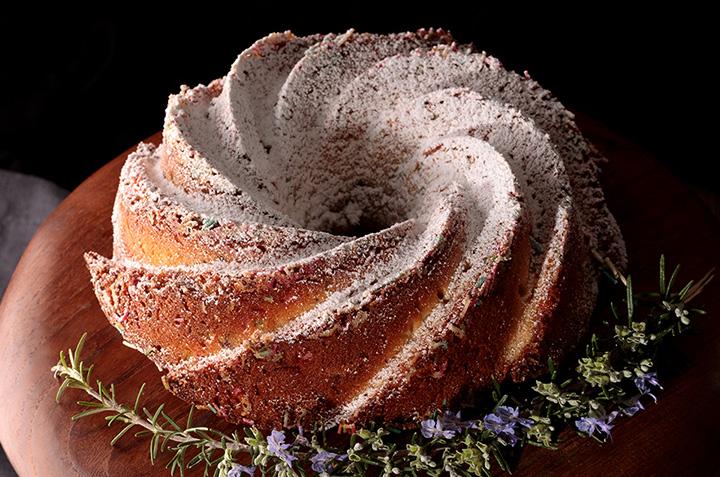 Bundt cake dulce de leche